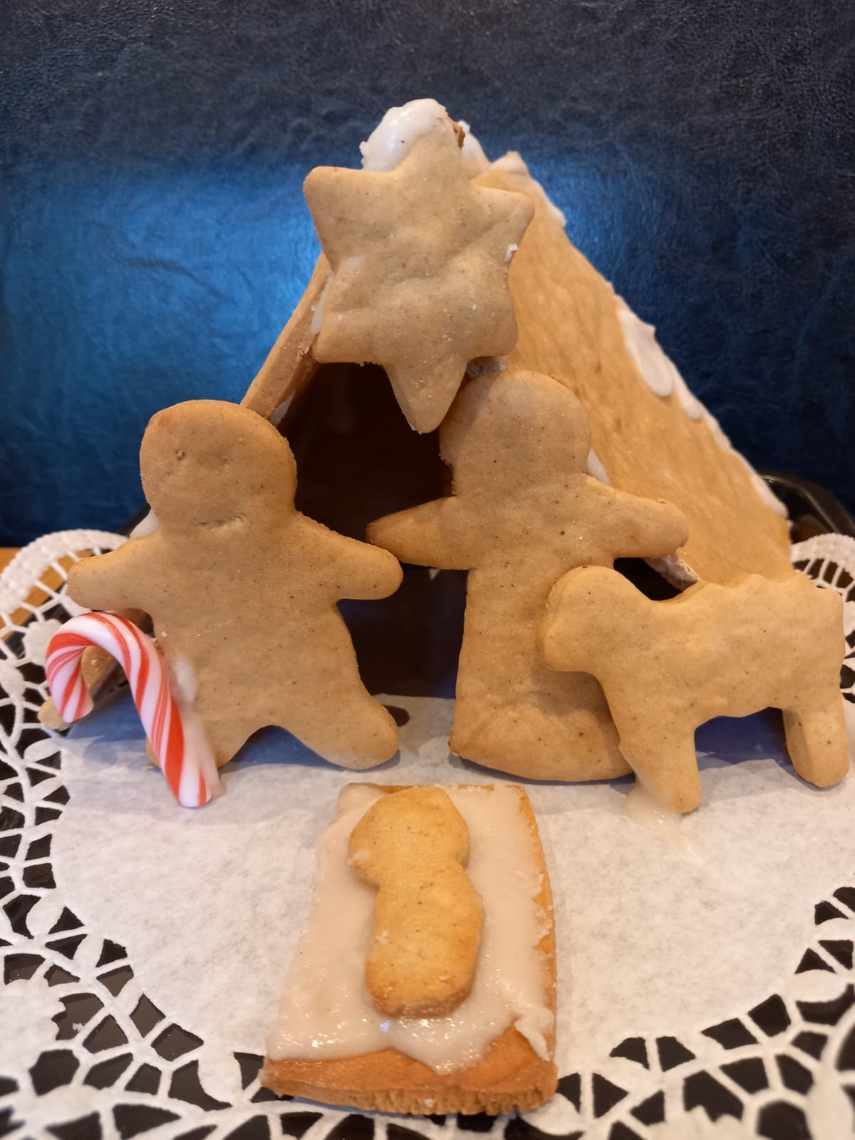 Gingerbread crib